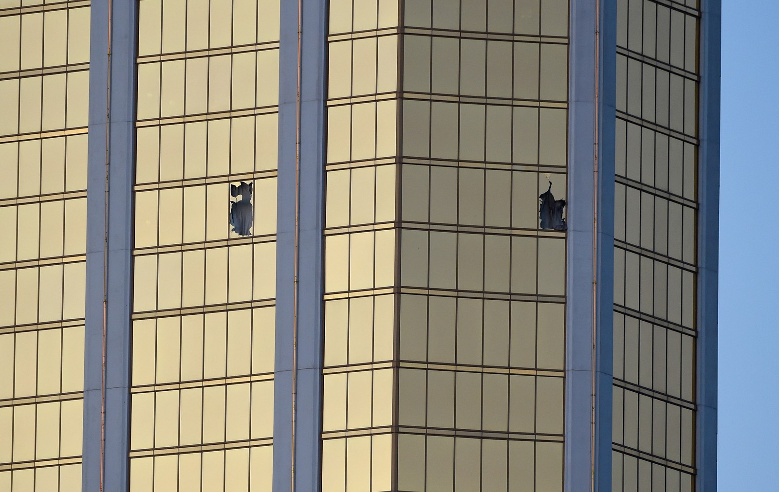 [Imagem: us-mass-shooting-at-mandalay-bay-in-las-...er-afp.jpg]