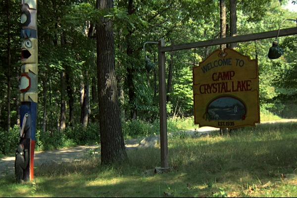 Entrada do fictício Camping Crystal Lake (Foto: Reprodução)