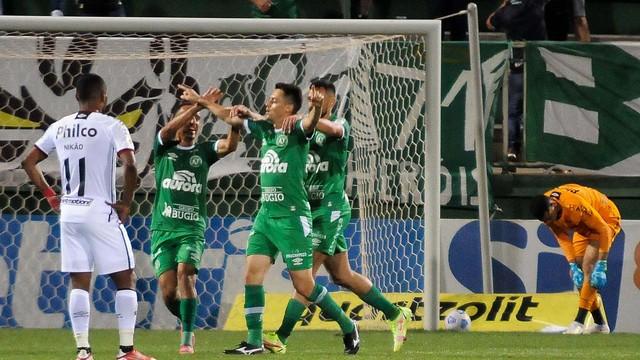 Comemoração do gol de Matheus Ribeiro