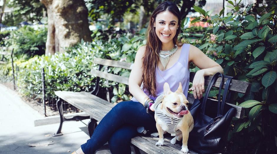 Loni Edwards, fundadora da Dog Agency, uma agência especializada em gerenciar a vida e as questões financeiras dos principais pets incluencers (Foto: Reprodução)