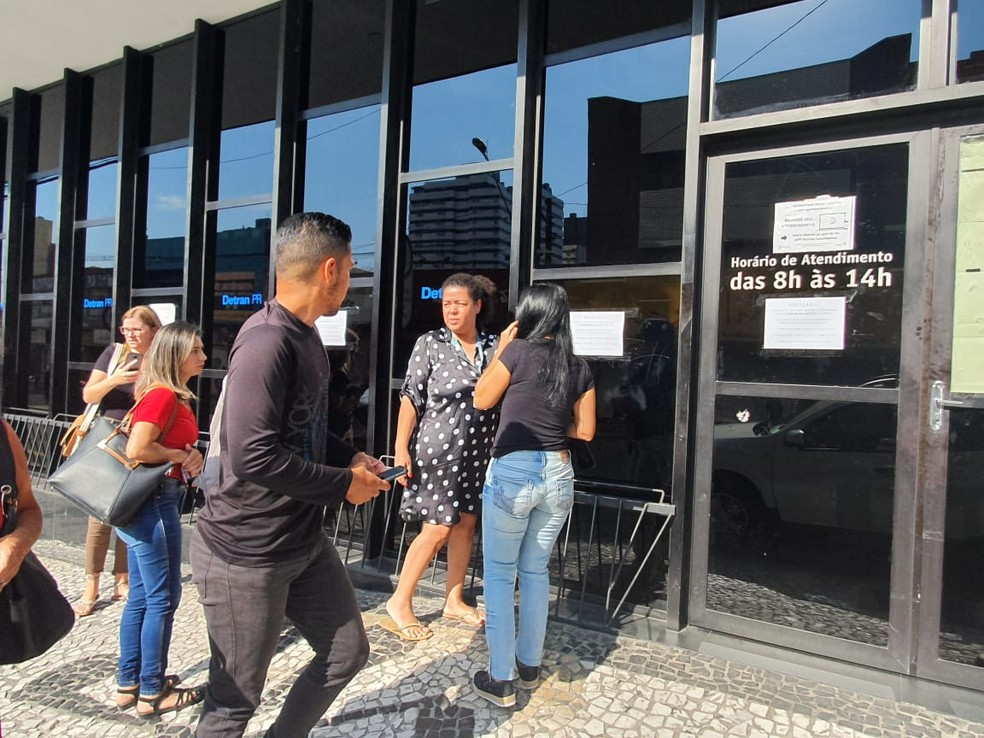 Detran no Centro de Curitiba está fechado — Foto: Vanessa Rumor/RPC