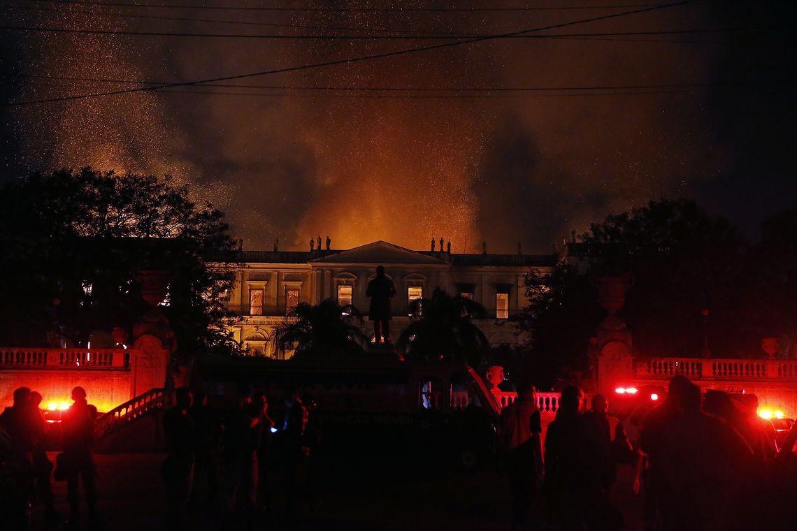 Incêndio no Museu Nacional destruiu acervo histórico do país (Foto: Reprodução/ Agência Brasil)