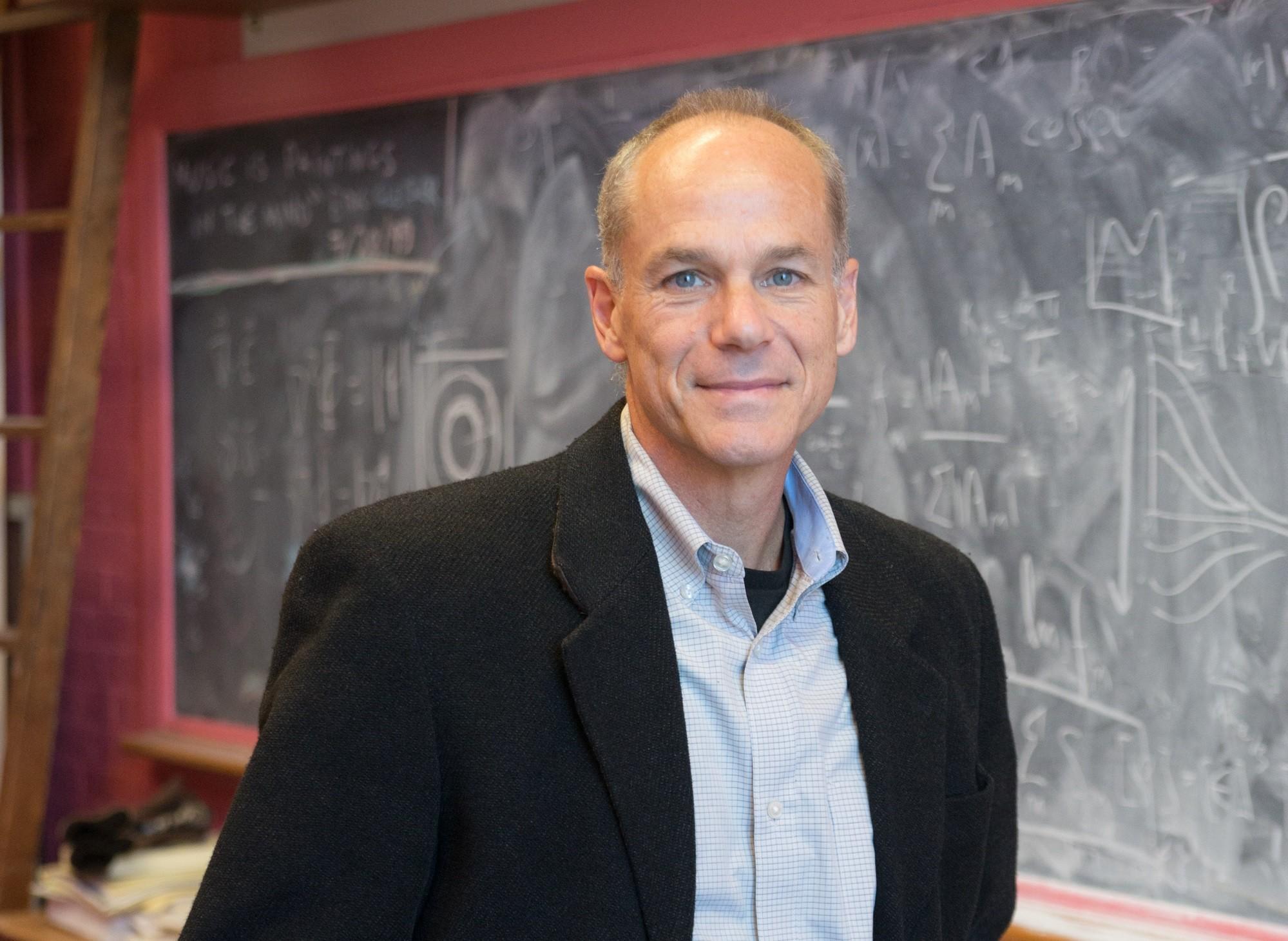 Marcelo Gleiser é professor de física e astronomia na Dartmouth College, nos Estados Unidos. (Foto: Reprodução)