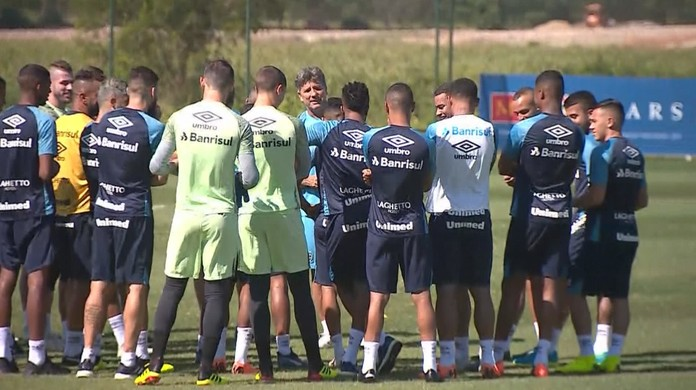 Kannemann treina no Rio após volta da seleção  veja provável escalação do  Grêmio  49f3f6b7857b8