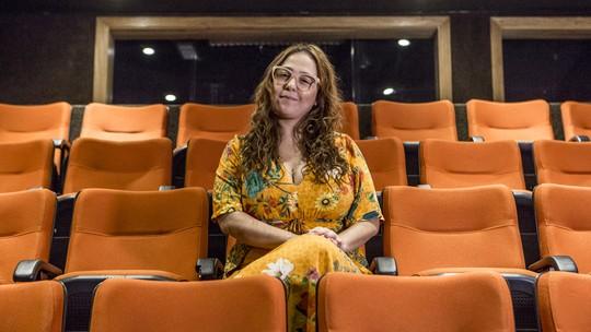 Debora Lamm mostra bastidor de nova peça como diretora e afirma: 'Uma pessoa de teatro dificilmente será só um ator'