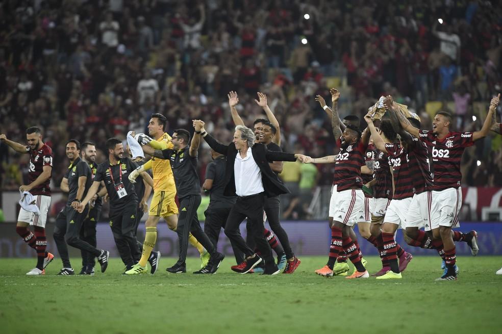 Flamengo tem chance de comemorar dois títulos em novembro — Foto: André Durão