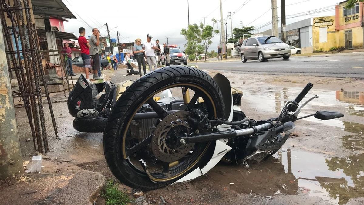 Garçom morre em acidente com moto na av. Tancredo Neves em João Pessoa