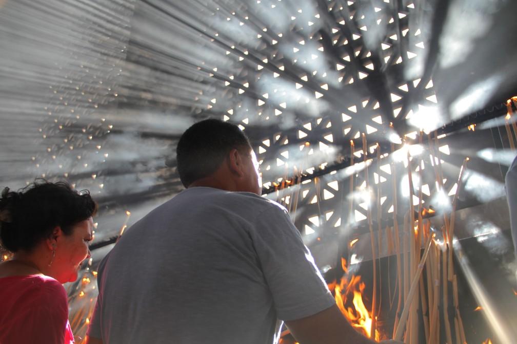 Sala das Velas é um dos pontos mais visitados do Santuário Nacional de Aparecida (Foto: Carlos Santos/G1)