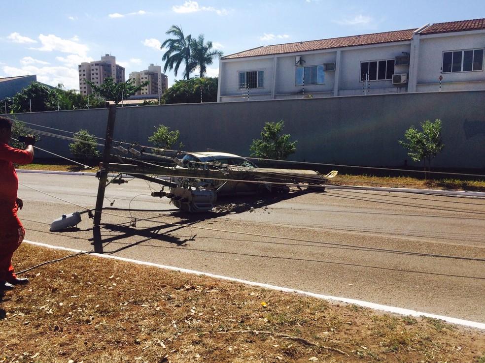 Mais de 530 postes já foram derrubados no Tocantins em 2017 (Foto: Divulgaçaõ)