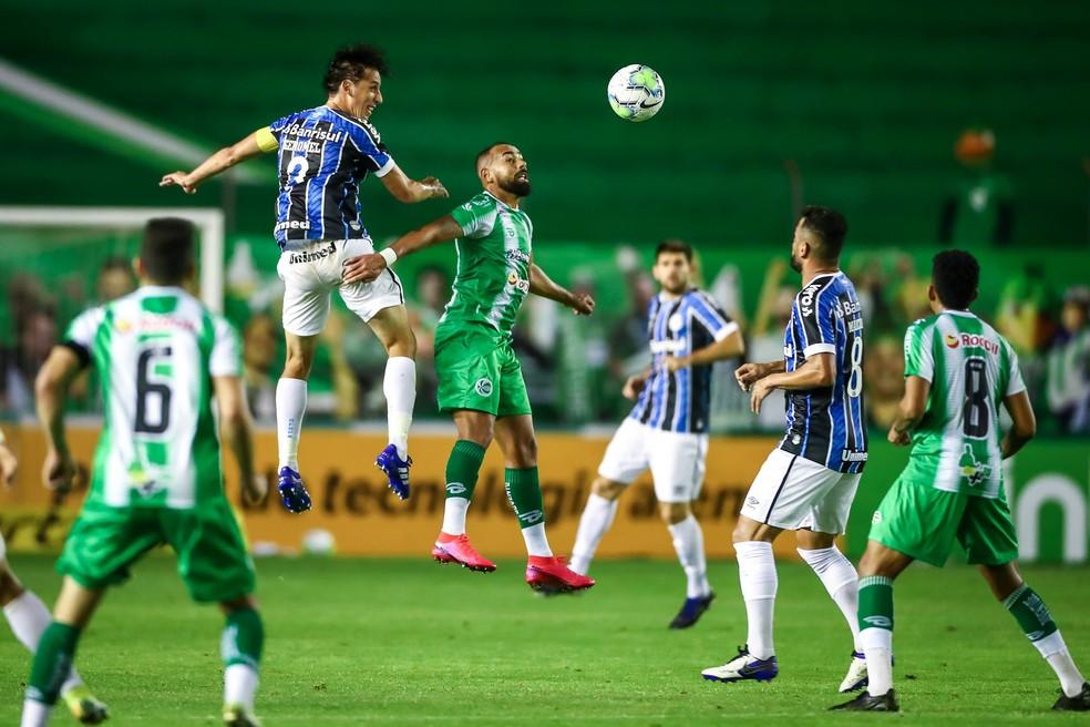 Geromel voltou a brilhar diante do Juventude  — Foto: Lucas Uebel/Grêmio FBPA