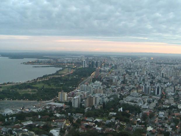 Porto Alegre teve mínima de 5,2°C nesta sexta (Foto: RBS TV/ Reprodução)