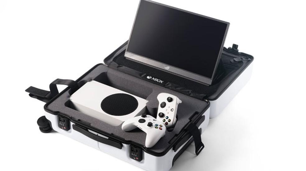 Mala com Xbox Series S para jogar fora de casa será oferecida em promoção para jogadores da Austrália e Nova Zelândia — Foto: Reprodução/Xbox