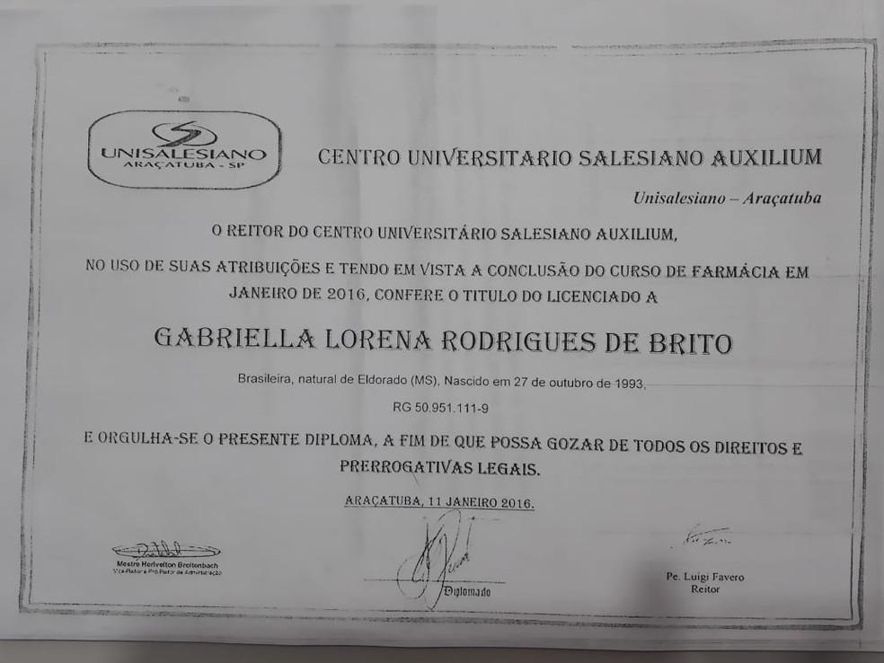 Cópia do diploma apresentado por Gabriella quando foi contratada — Foto: Polícia Civil/Reprodução