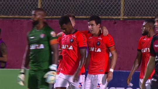 Atlético-PR faz cinco alterações e ganha seu primeiro jogo fora de casa no Brasileiro