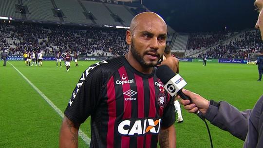 """""""Importante é pontuar"""", afirma Jonathan após empate do Atlético-PR com o Corinthians"""