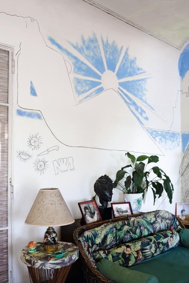 Casa na Riviera Francesa preserva desenhos de Jean Cocteau nas paredes (Foto: Filippo Bamberghi)