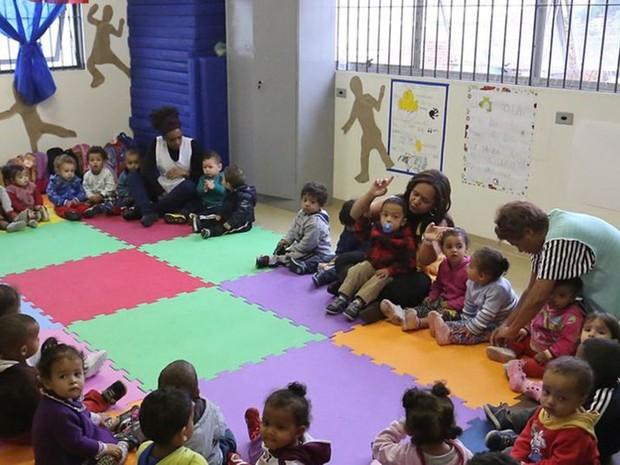 Pré-escola municipal em São Paulo; especialistas defendem que crianças experimentem diferentes tipos de atividades lúdicas e estímulos (Foto: Lilian Borges / Prefeitura de São Paulo)