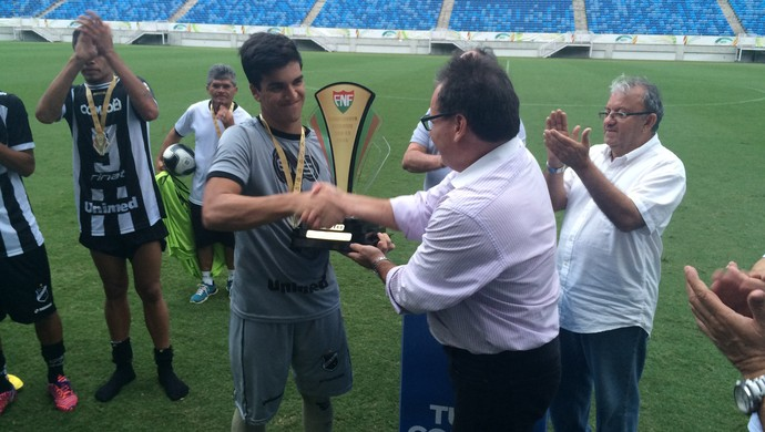 Breno ABC sub-19 campeão (Foto: Carlos Cruz/GloboEsporte.com)