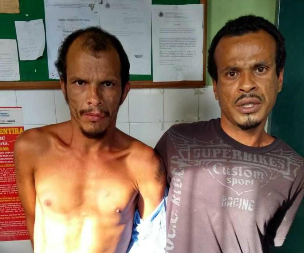 Irmãos suspeitos do crime: Valdinei é que está de camisa (Foto: Divulgação/Polícia Civil)