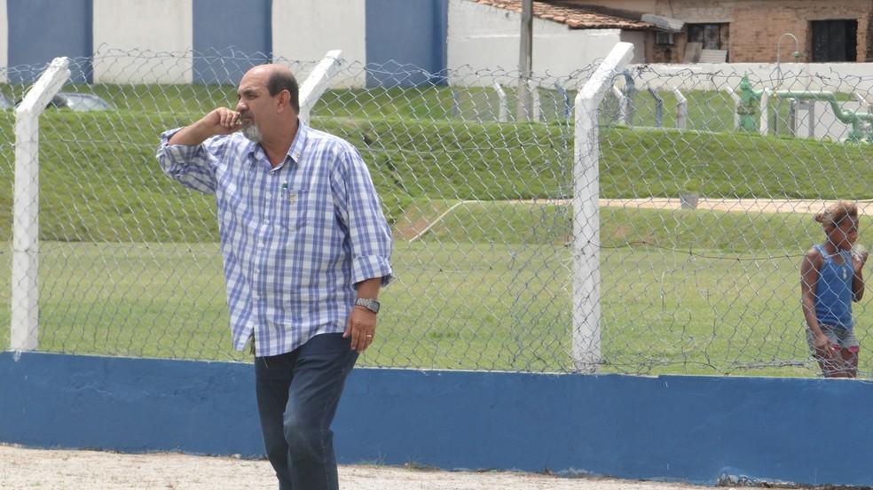 Lumário Rodrigues disse que centroavante é a prioridade  — Foto: Caio Lorena / GloboEsporte.com