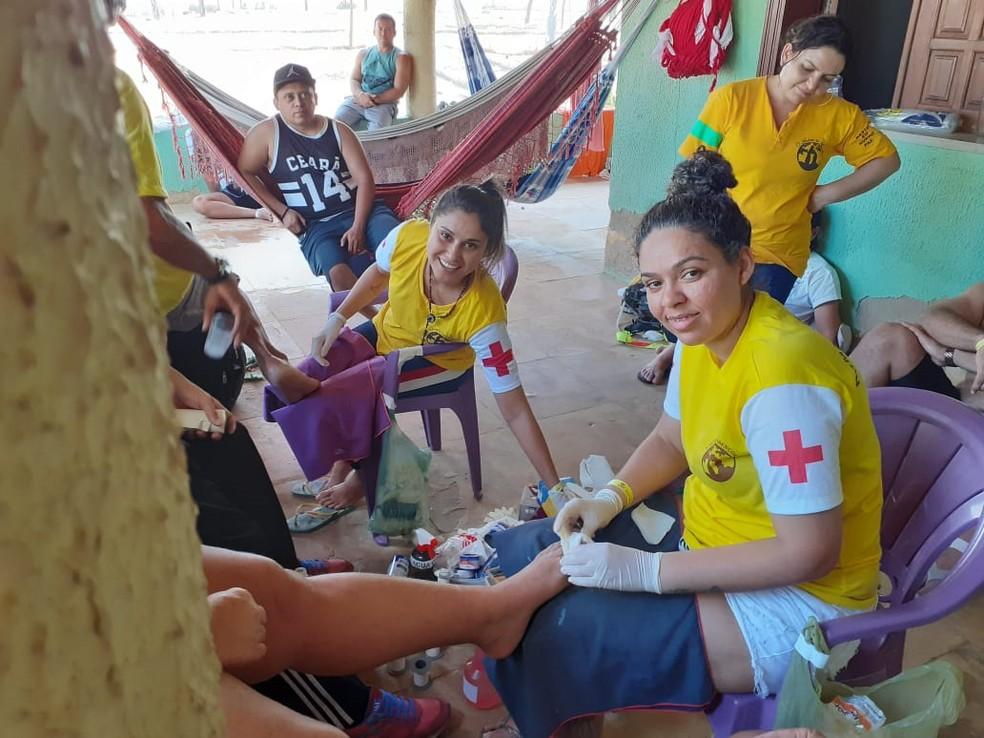 Durante a romaria a pé de Fortaleza a Canindé, equipes de apoio acompanham os fiéis fazendo a segurança e prestando atendimentos médicos — Foto: Divulgação