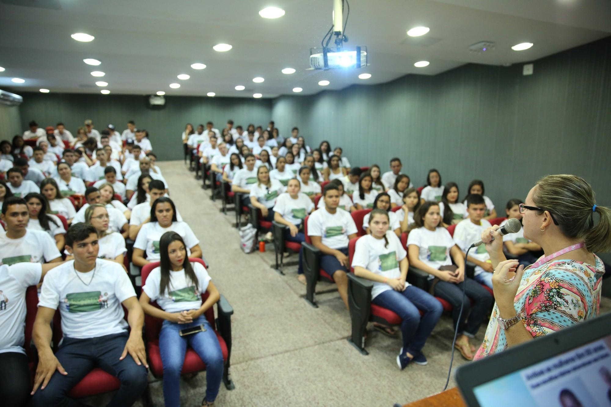 Projeto que auxilia estudantes é lançado em escolas do Ceará