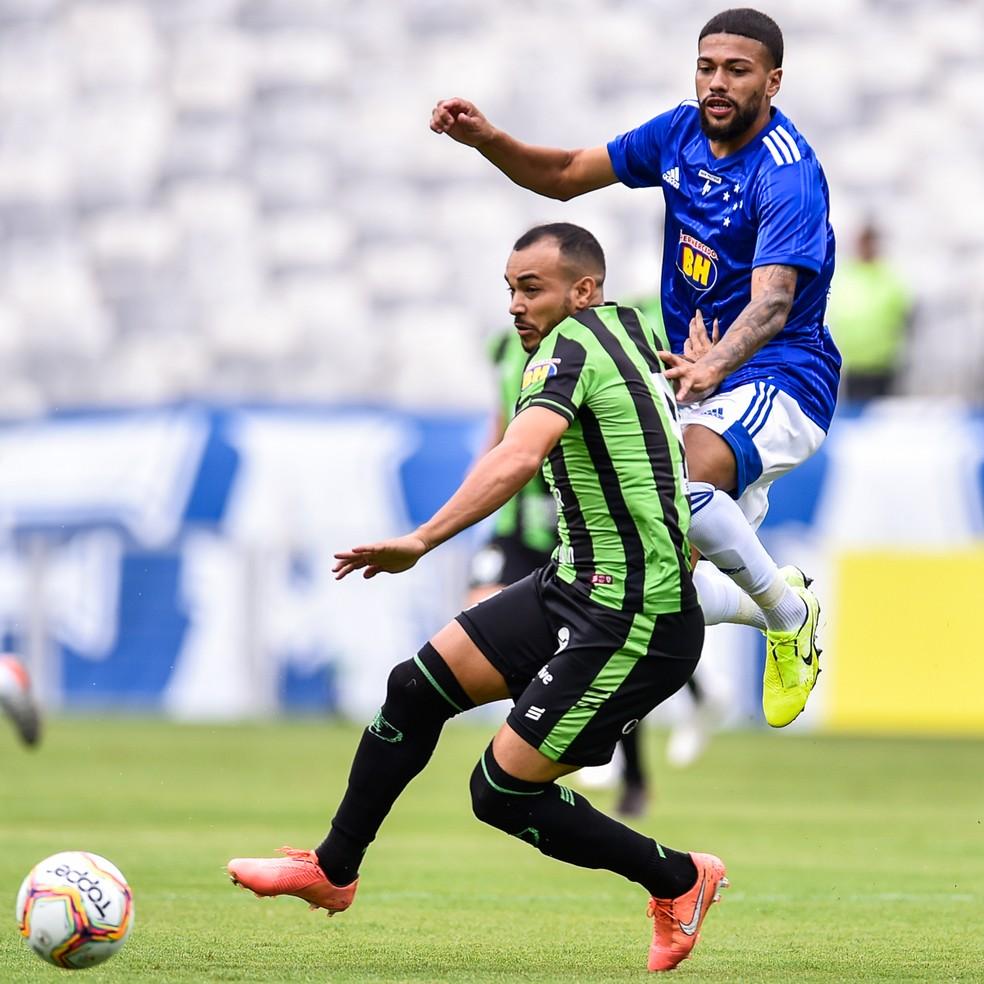 O América-MG lidera o Campeonato Mineiro e vive uma situação bem diferente do Cruzeiro, que está fora do G-4 — Foto: Douglas Magno/BP Filmes