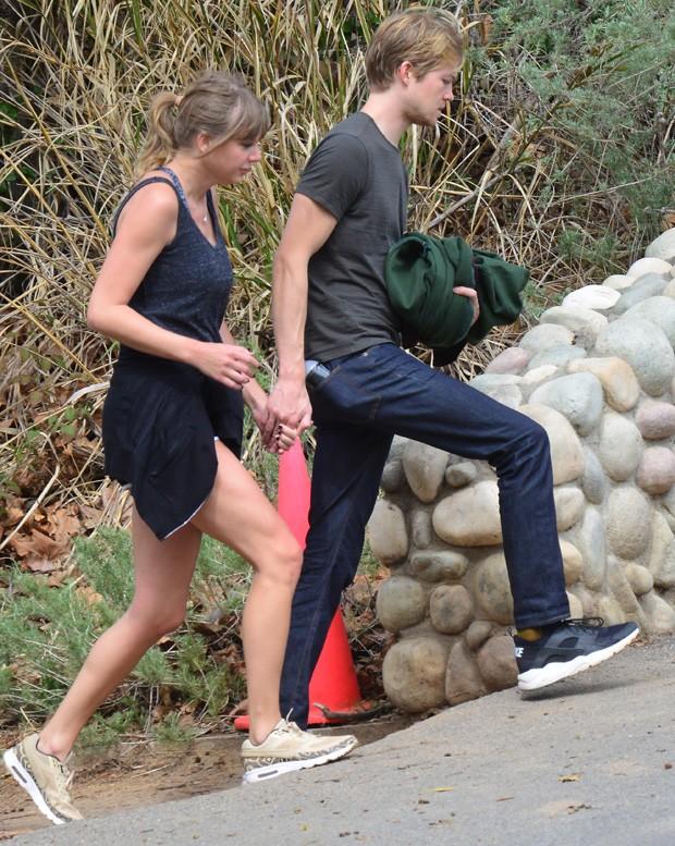 Taylor Swift e Joe Alwyn (Foto: Grosby Group)