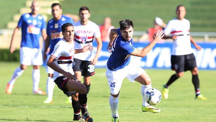 """Willian continua otimista em acerto com o Cruzeiro: """"Vai dar tudo certo"""""""
