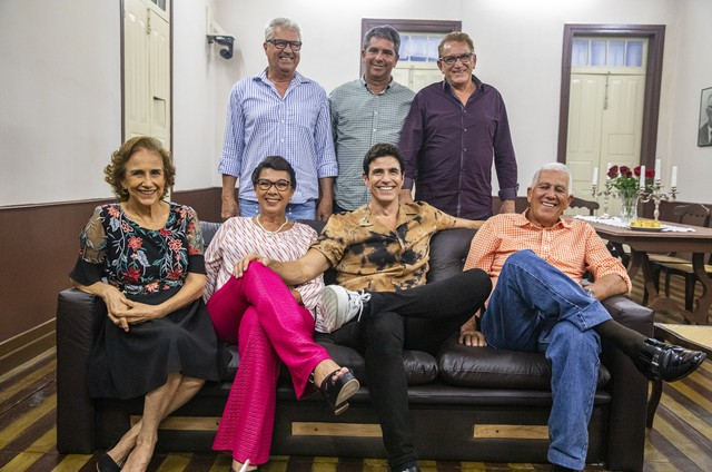 Reynaldo Gianecchini com a família no 'Caldeirão do Huck' (Foto: Paulo Belote/TV Globo)