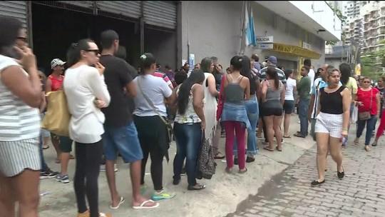 Biometria 'de surpresa', urnas quebradas e filas de até 3 h marcam 1º turno no RJ