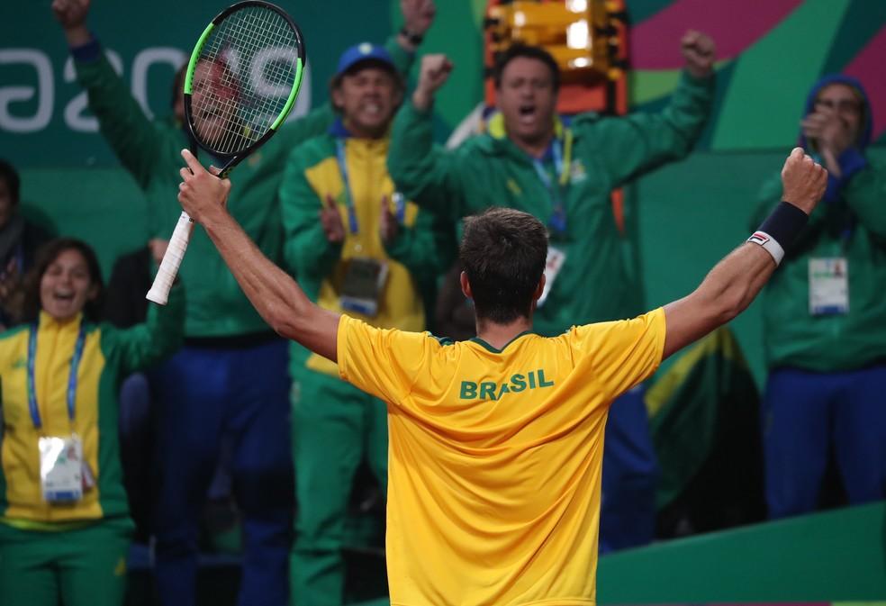 João Menezes na final do tênis no Pan de Lima — Foto: REUTERS/Ivan Alvarado