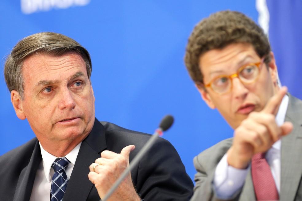 Jair Bolsonaro o ministro do Meio Ambiente, Ricardo Salles — Foto: REUTERS/Adriano Machado