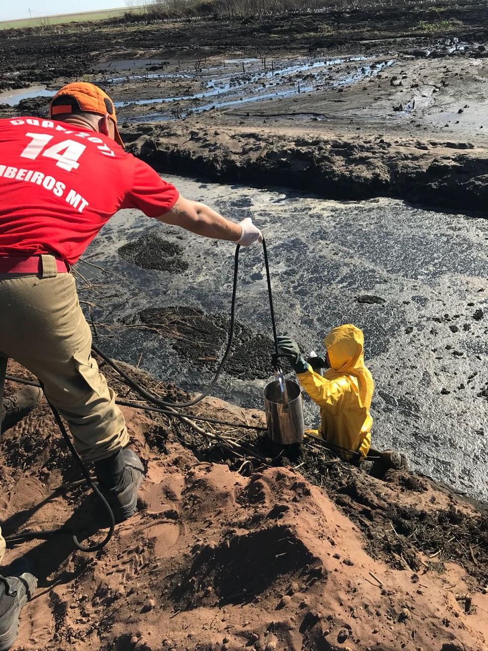 Usina foi vistoriada, autuada e embargada após acidente poluir rio e matar peixes em Jaciara (Foto: Sema-MT/Assessoria)