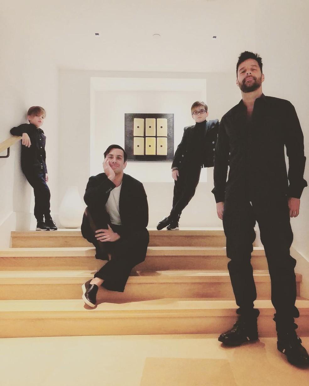 Ricky Martin com Jwan Yosef e os filhos Matteo e Valentino — Foto: Reprodução/Instagram