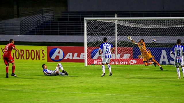CSA x 4 de Julho; gol de Dudu