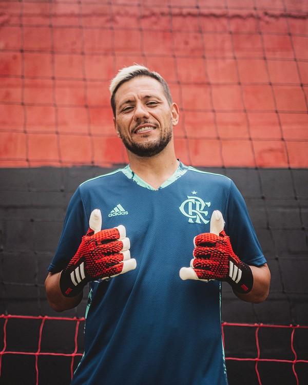 Flamengo deve se arrumar economicamente antes de avançar em renovações