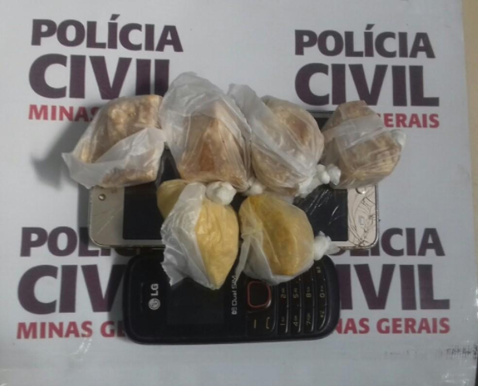 Materiais apreendidos em São João del Rei (Foto: Polícia Civil/Divulgação)