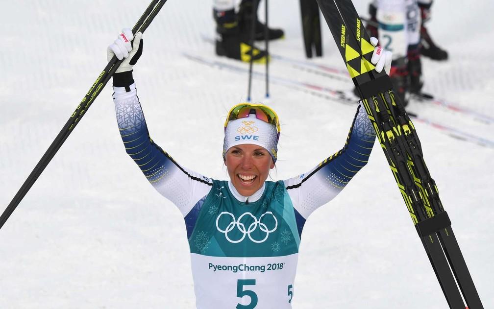 Charlotte Kalla, da Suécia, leva primeiro ouro em Pyeongchang (Foto: Christof Stache / AFP Photo)