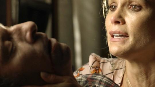 Rita de Cássia encontra Machado morto com bilhete misterioso