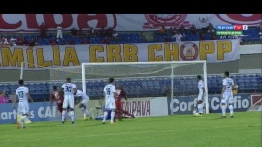 Cruzamentos, desatenção e jogo doido no fim: como o CRB empatou com o Paysandu