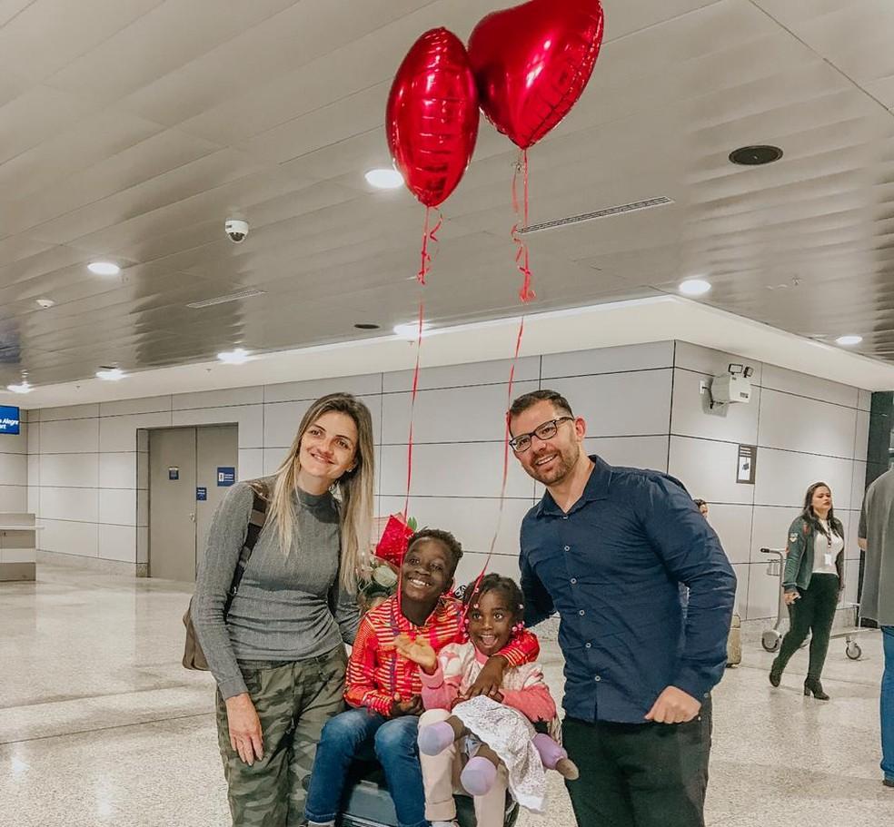 A família completa com a chegada de Dja. — Foto: Arquivo pessoal