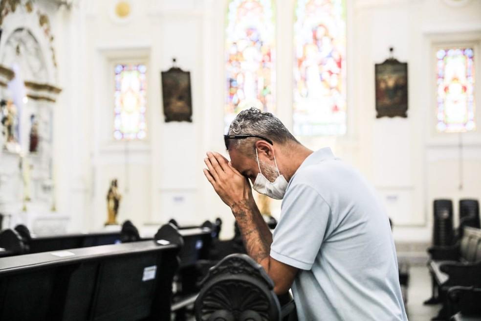Prefeitura libera realização de missas e cultos religiosos na cidade — Foto: Diorgenes Pandini/NSC