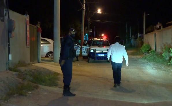 Operação da Guarda Municipal de Vila Velha, ES, fecha bares e loja de conveniência