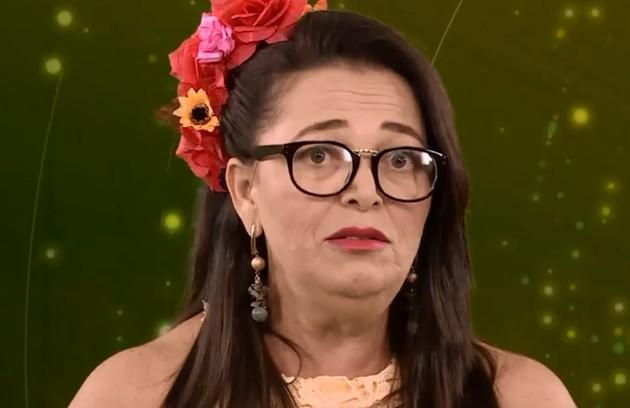 A pernambucana Tereza tem 52 anos e é psicanalista e técnica de enfermagem. Solteira, mãe de dois filhos e avó de três netos, ela já foi casada seis vezes (Foto: Reprodução)
