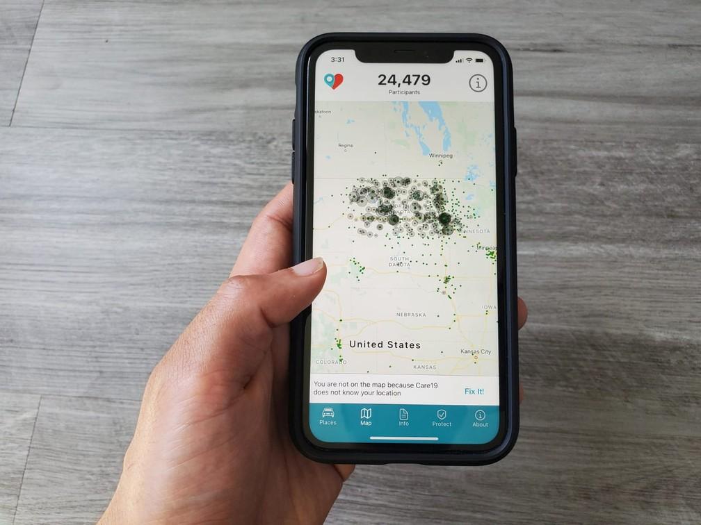 Imagem de tela de smartphone com aplicativo de rastreamento da Covid-19, em 23 de abril de 2020 — Foto: Paresh Dave/Reuters