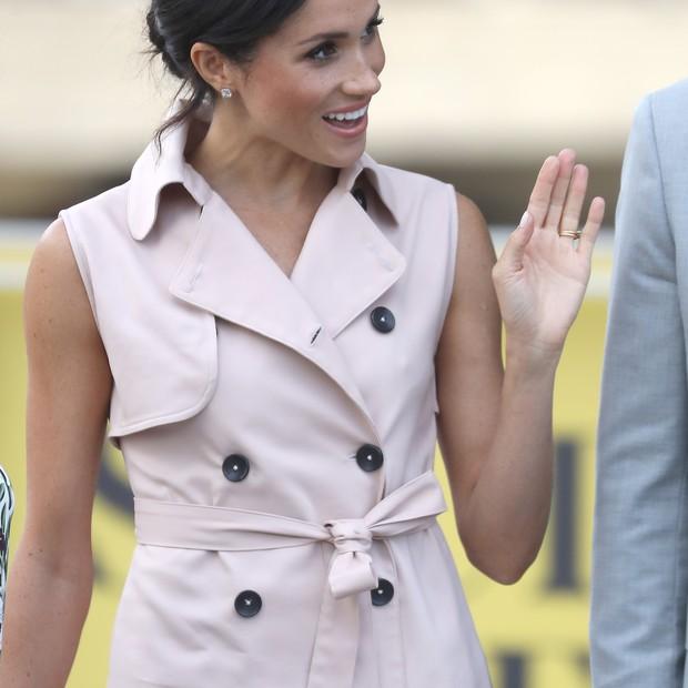 De casacos com cinto a vestidos com cinto, Meghan usou cinto em várias ocasiões (Foto: Getty Images)