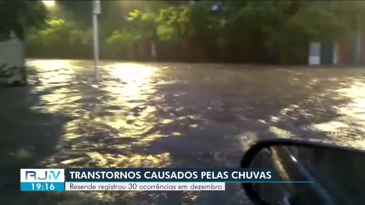 Defesa Civil faz balanço de transtornos causados pela chuva em Resende