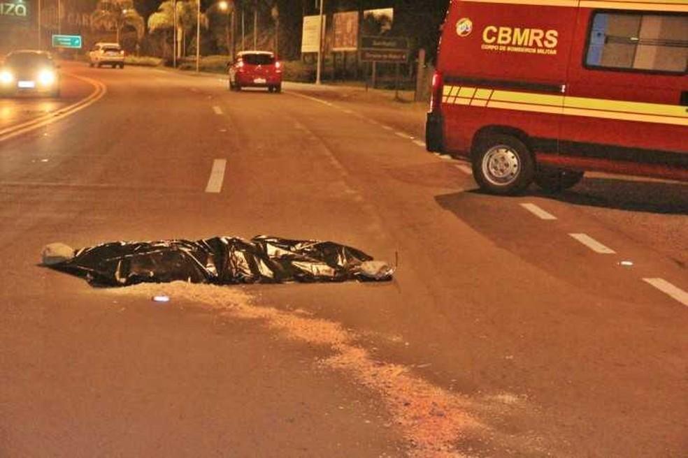 Atropelamento causou morte em Garibaldi — Foto: Altamir Oliveira / Rádio estação FM