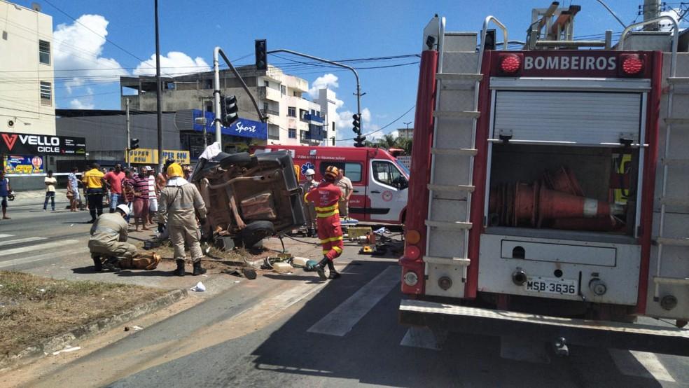 Adolescente ficam feridos em acidente em Linhares, no ES  — Foto: Eduardo Dias/ TV Gazeta